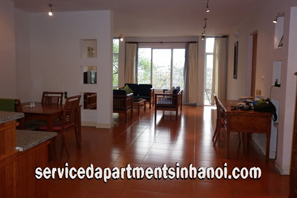 Beautiful one bedroom apartment with Truc Bach lake view, Ba Dinh