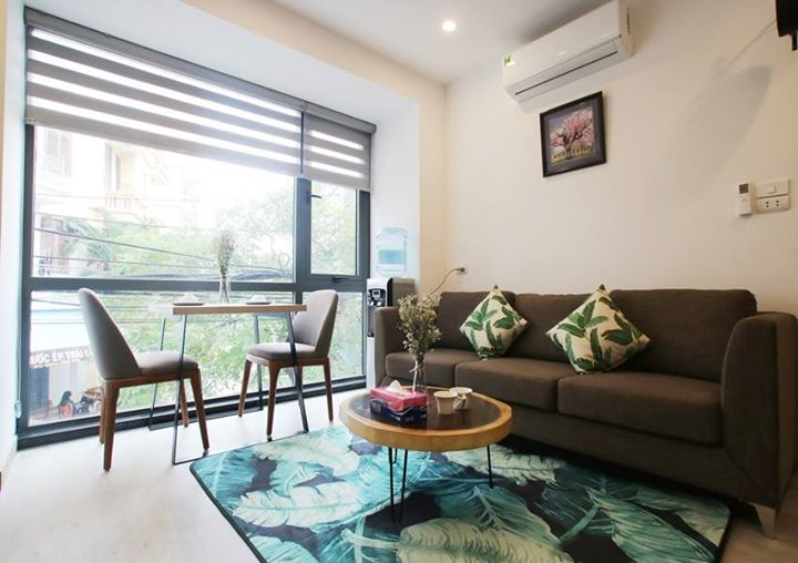 CHARMING Serviced Apartment Rental in Hoang Quoc Viet street -