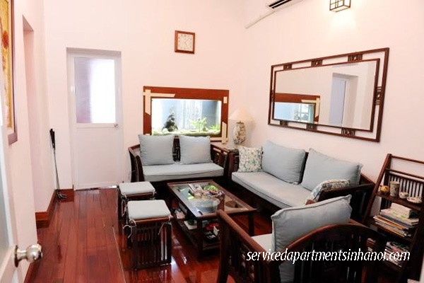 Cheap 2 bedroom apartment for rent in Giai Phong street, Hoang Mai