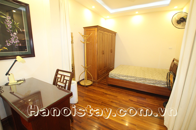 Cheap one bedroom apartment rental in kim ma street ba dinh with nice yard for Nice cheap 1 bedroom apartments