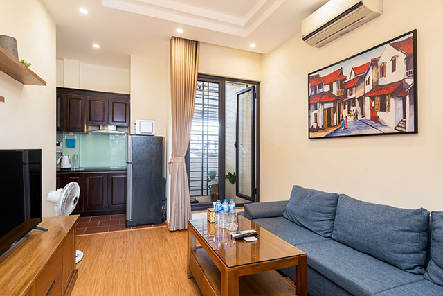 *Convenient One Bedroom Apartment For Rent in Kham Thien street, Dong Da*