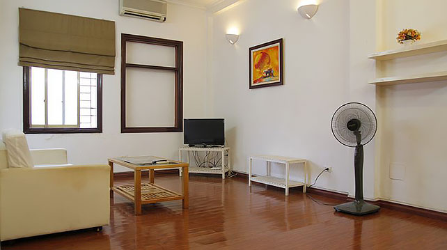*Cozy & Comfortable 2 Bedroom Apartment Rental in De La Thanh street, Dong Da*