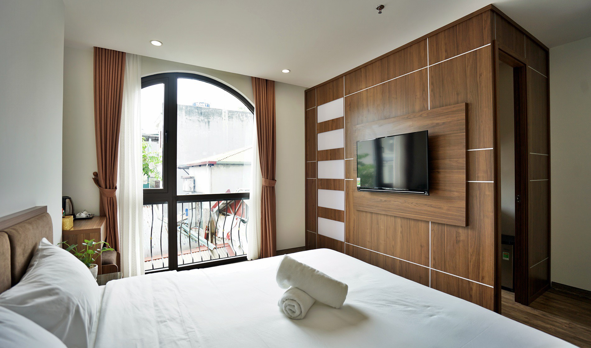*Elegant Serviced Apartment for rent in Kim ma street, Ba Dinh*