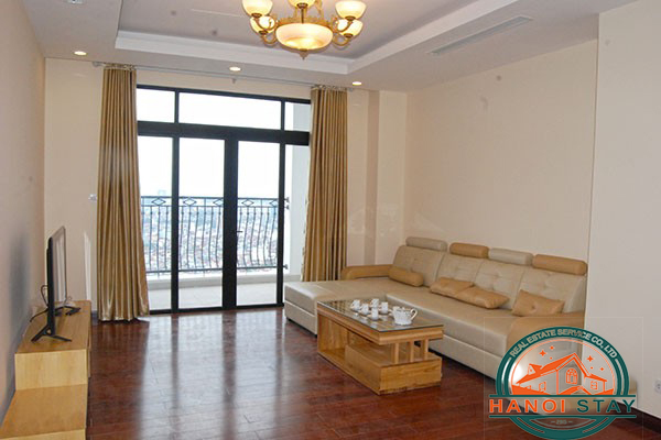 Good size Three bedroom Apartment in R2 Building, Vinhomes Royal City