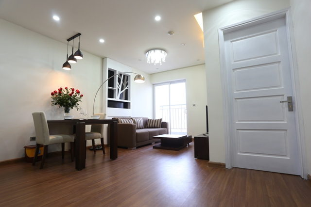 Luxury serviced apartment for rent in Cau Giay street, full service, wooden floor
