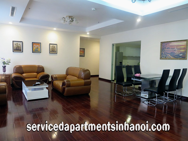Luxury Three bedroom Apartment for rent in VinHomes Royal City