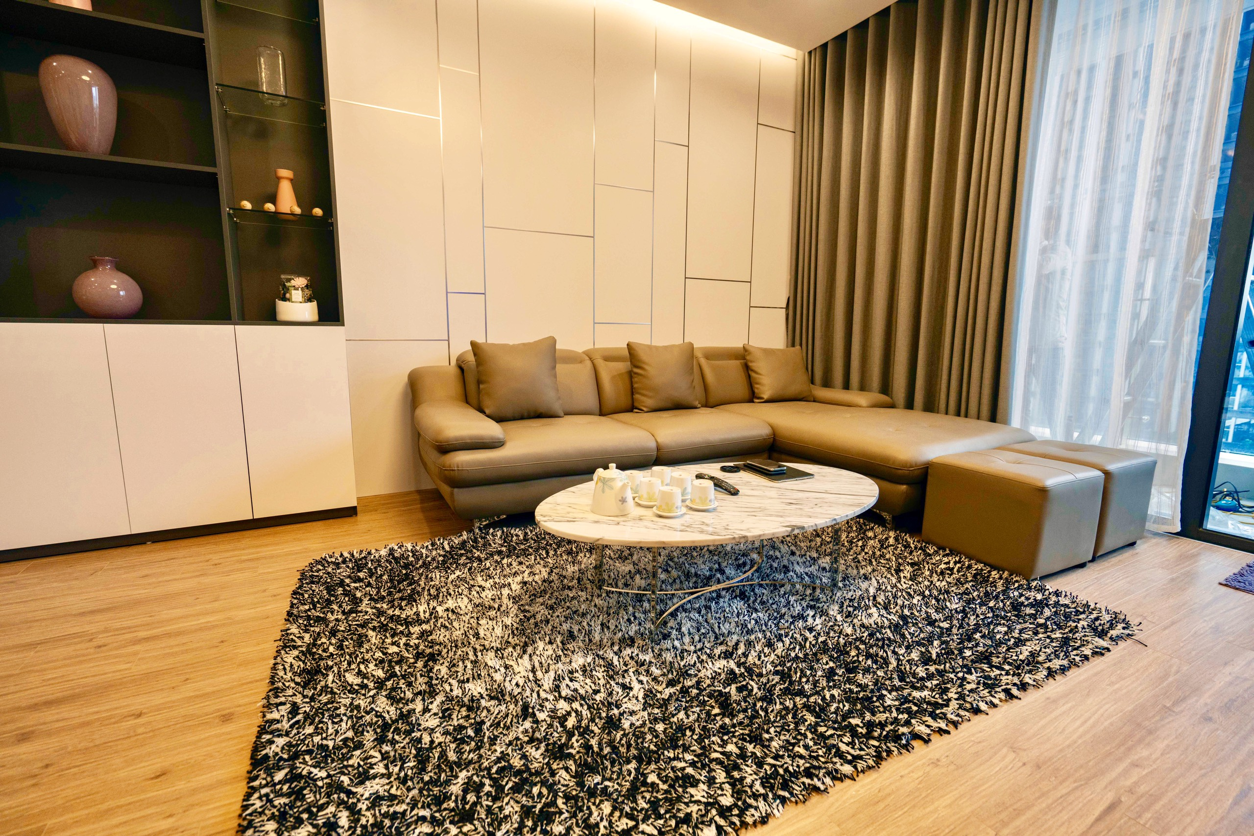 Modern two bedroom apartment rental in M3 Vinhomes Metropolis, 1400usd/month