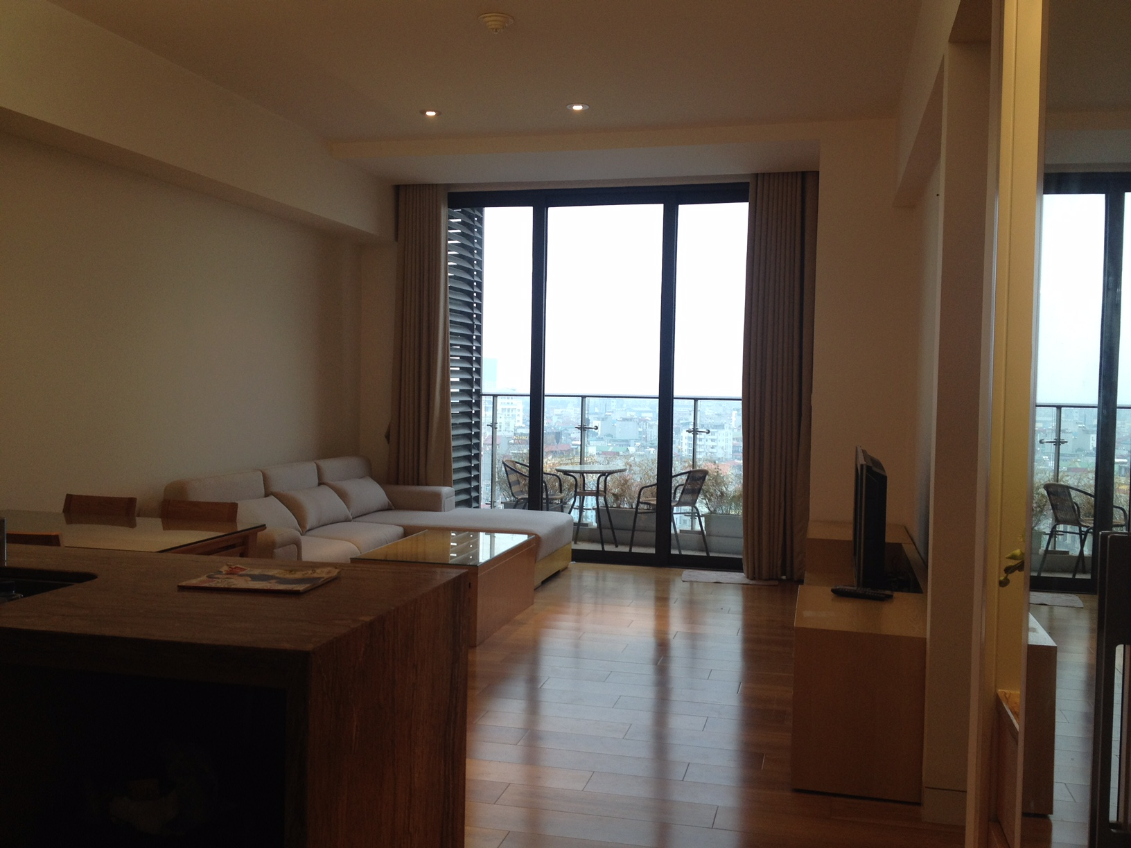 furnished 2 bedroom apartment for rent in iph, cau giay