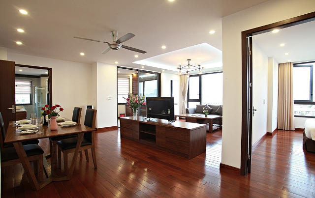 Stunning Executive Suite 3 Bedrm Apartment Rental in Tran Quoc Hoan str, Cau Giay