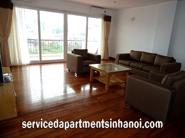 Stunning Two Bedroom Apartment for rent in Truc Bach area, Ba Dinh