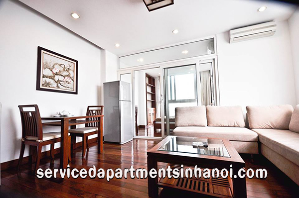 Truc Bach lake view apartment for rent in Badinh
