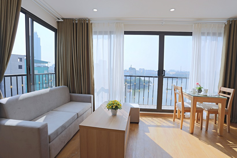 Truc Bach Lake View One Bedroom Apartment With Big Terrace